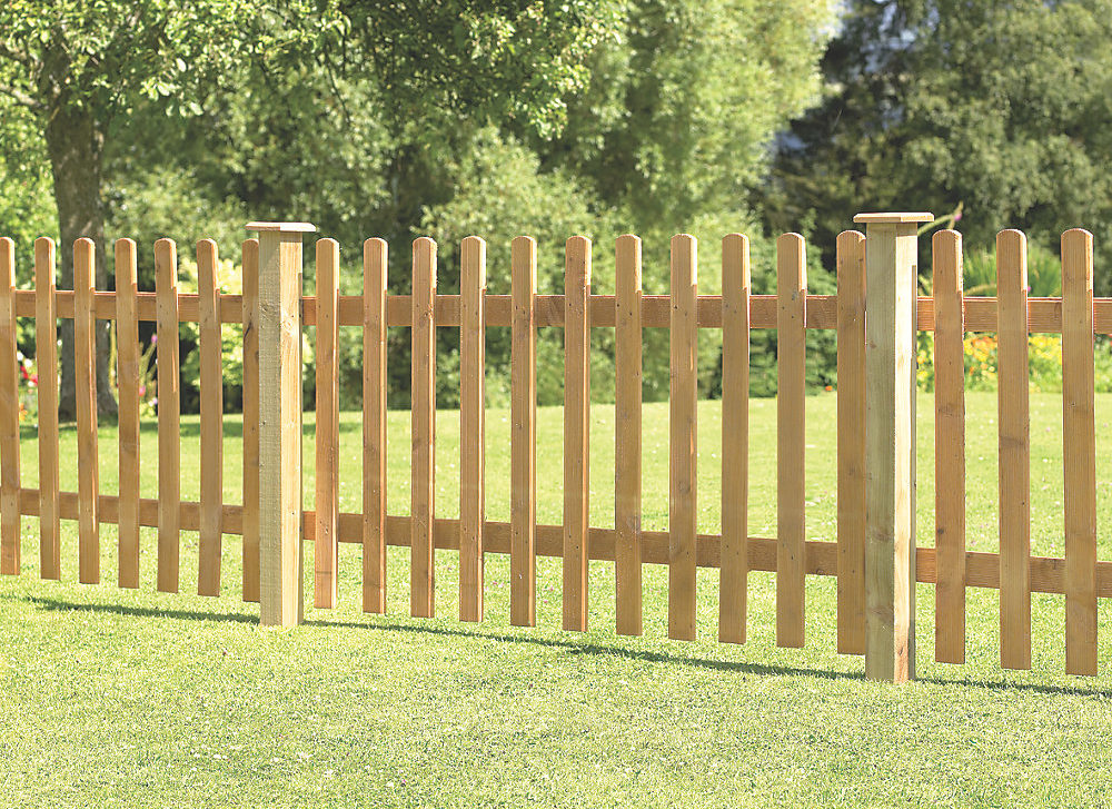 Timber Palisade / Picket Fencing